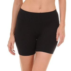 Danskin black biker shorts